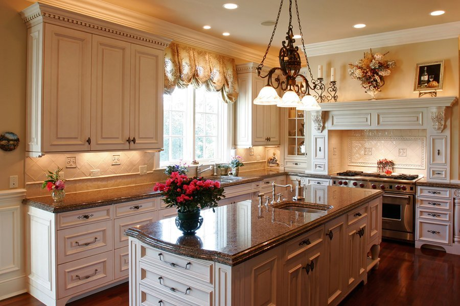 Luxury-Kitchen-Granite-Counter-Tops